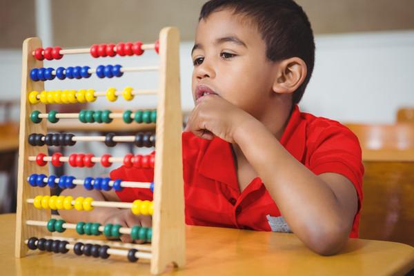 Langkah mudah menabung untuk masa depan anak